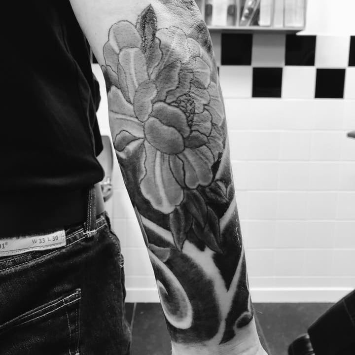 Roos_tattoo zw